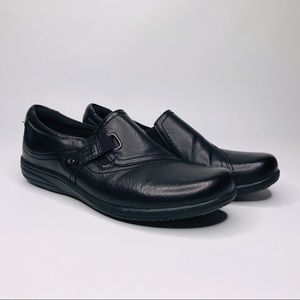 "Earth Spirit Women's Black Leather Shoe ""8"""
